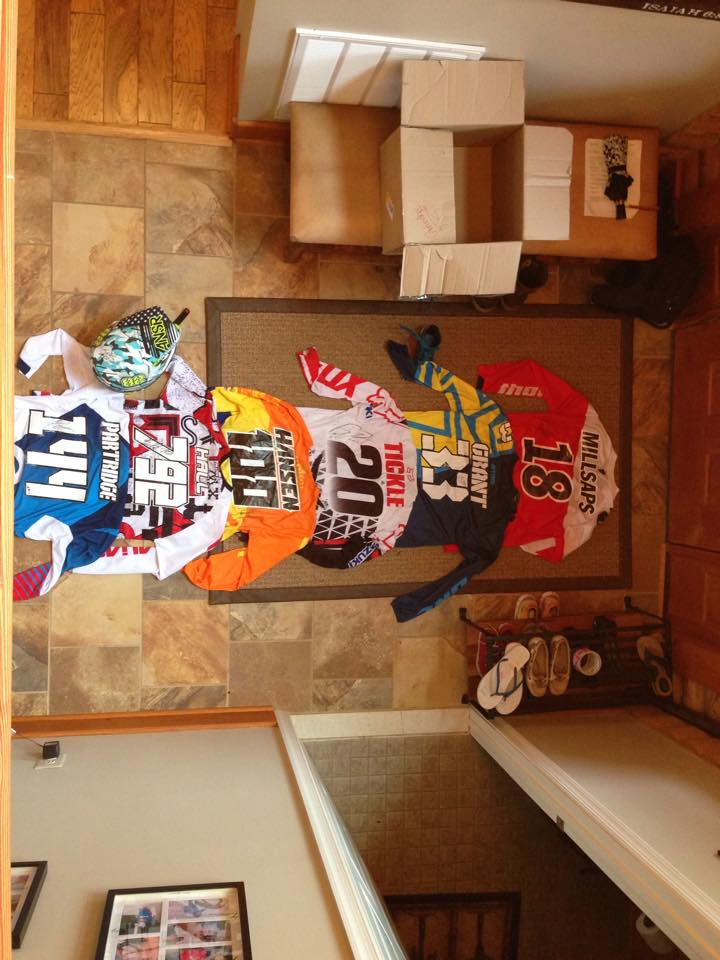 Click image for larger version.  Name:2up-jerseys.jpg Views:124 Size:86.3 KB ID:151491