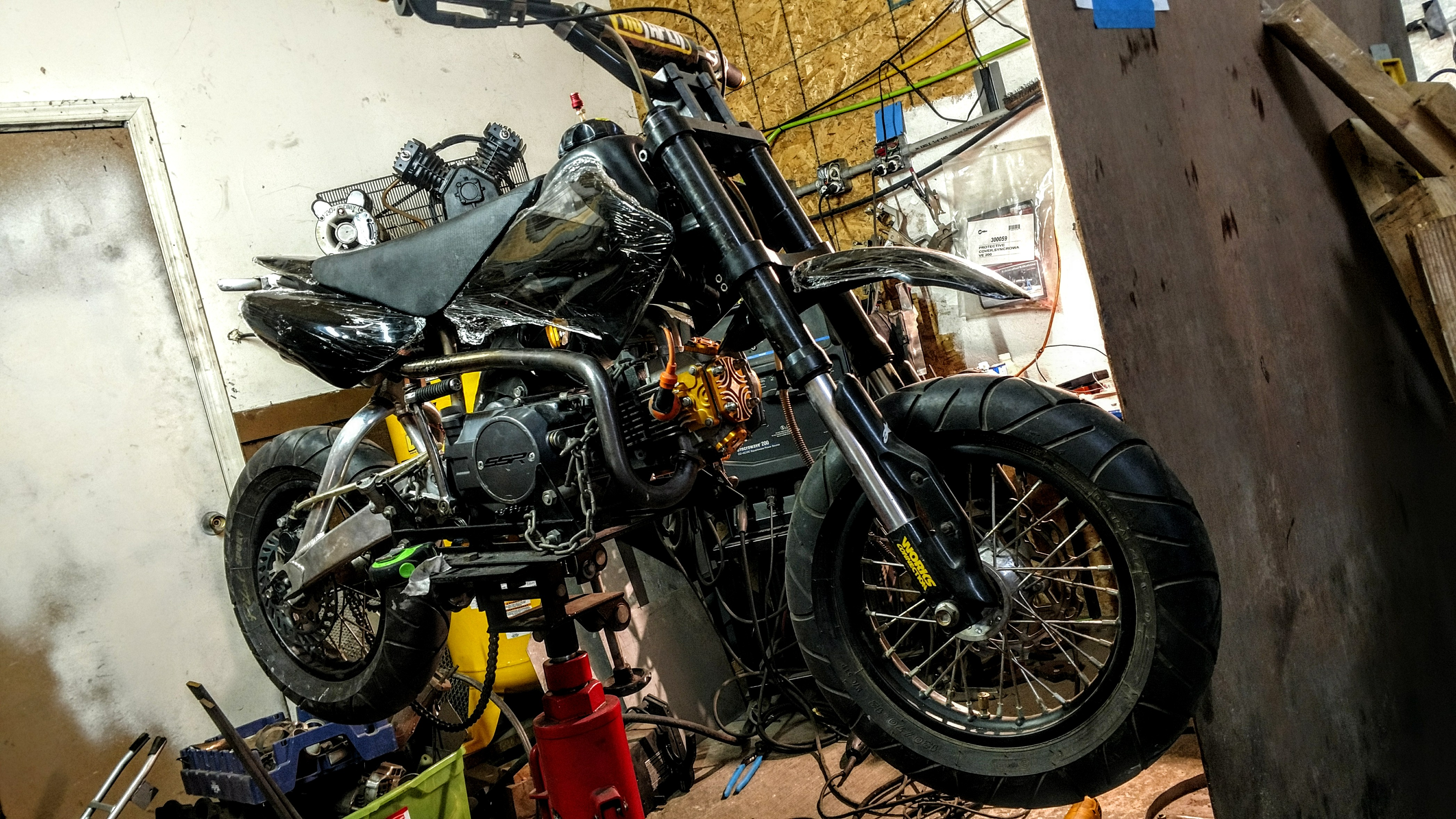 Click image for larger version.  Name:MyCRF50-1xx-pre-assembly-2.jpg Views:15 Size:2.28 MB ID:205961